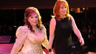 Reba McEntire remembers meeting Loretta Lynn when she was a kid