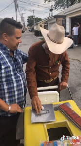 When Michaelangelo Mosqueda and Karen Gonzalez saw 70-year-old Don Rosario working through Father's Day, they stepped in to help