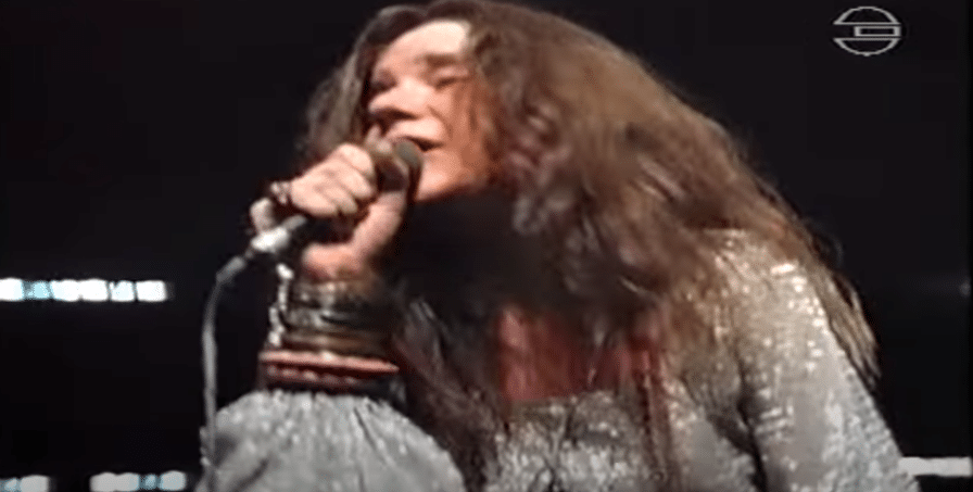 """Janis Joplin Dances With The Crowd While Singing """"Piece Of My Heart"""" In 1969"""