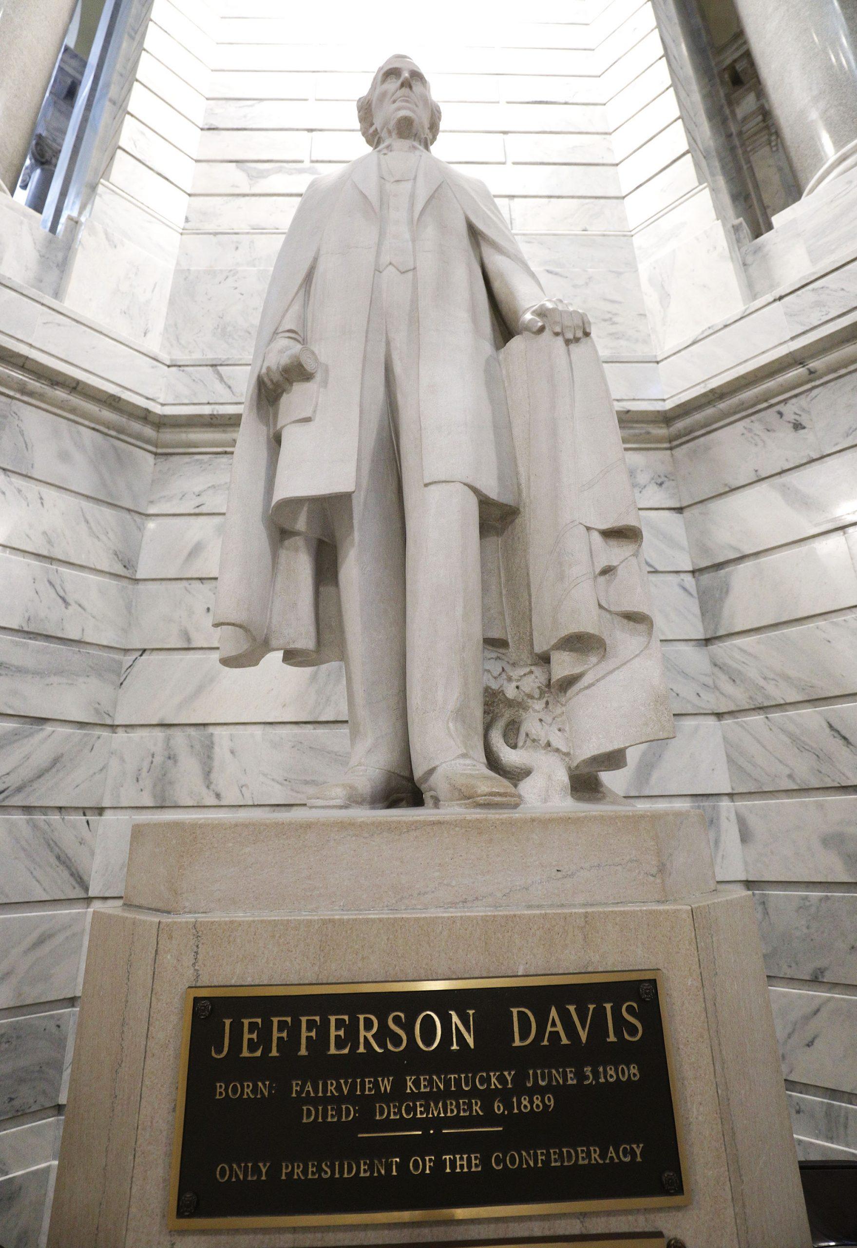 Civil War Leader Jefferson Davis Statue Being Removed After Finding Surprise Inside Its Base