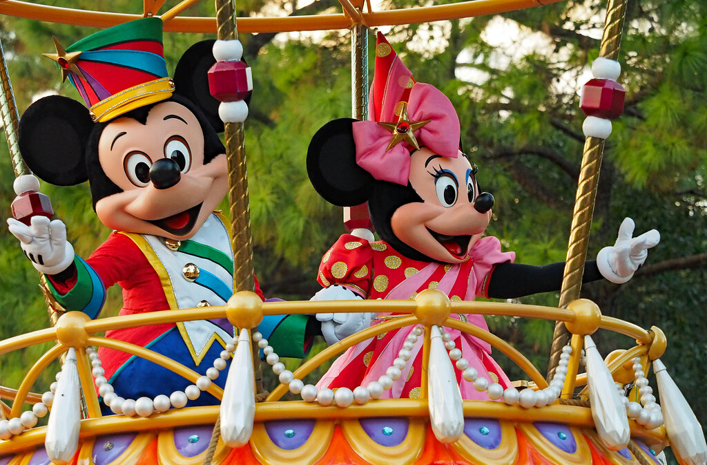 Have You Seen This CREEPY Mickey & Minnie Duo From Back In 1939?
