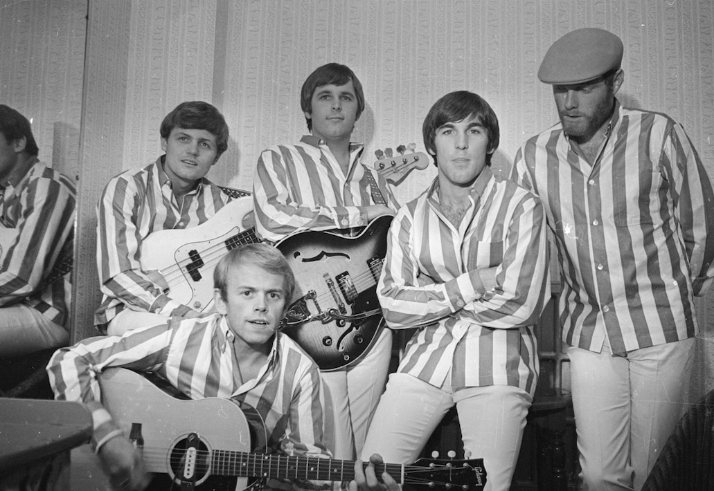 """WATCH: This Vintage Clip Of """"God Only Knows"""" By The Beach Boys Is Timeless"""