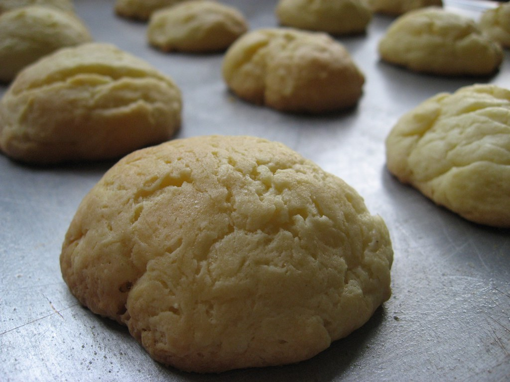 Southern Grandma Makes Her Famous 4-Ingredient Biscuits