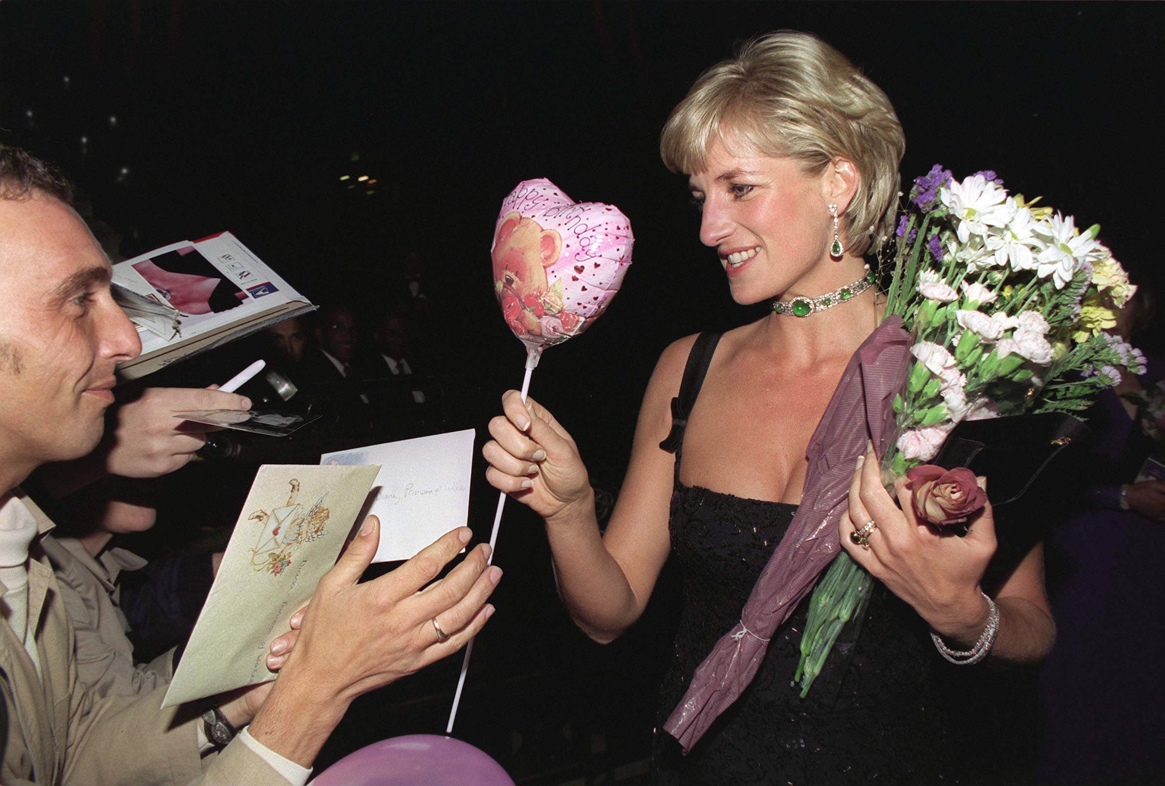 princess diana receiving gifts from fans on her last birthday