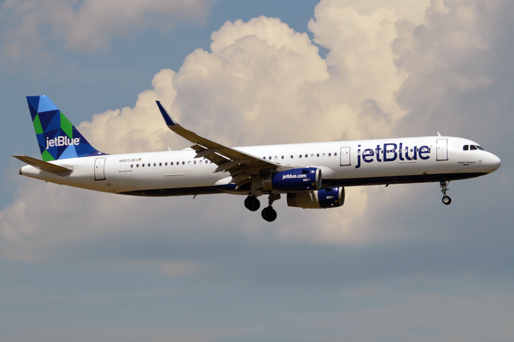 Mother Traveling With Six Kids Removed From JetBlue Flight After 2-Year-Old Wouldn't Wear Mask
