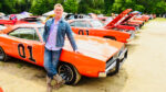 john-schneider-with-the-general-lee-in-the-dukes-of-hazzard