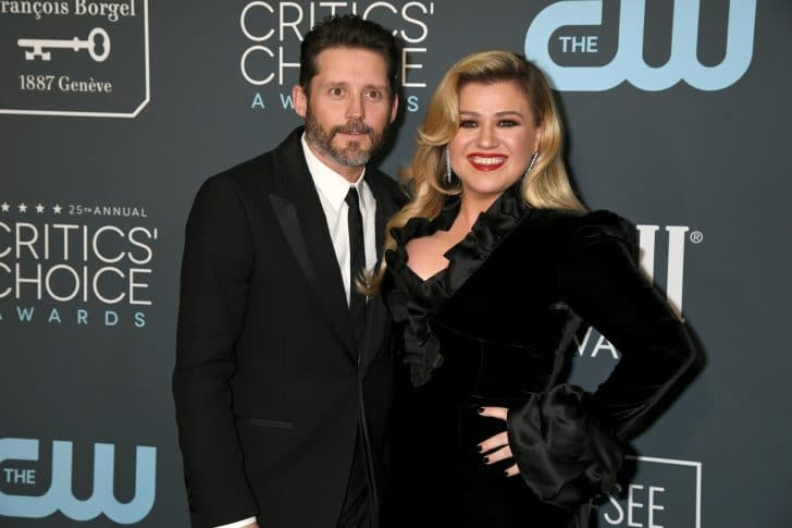 kelly clarkson says her life has been a dumpster since divorce