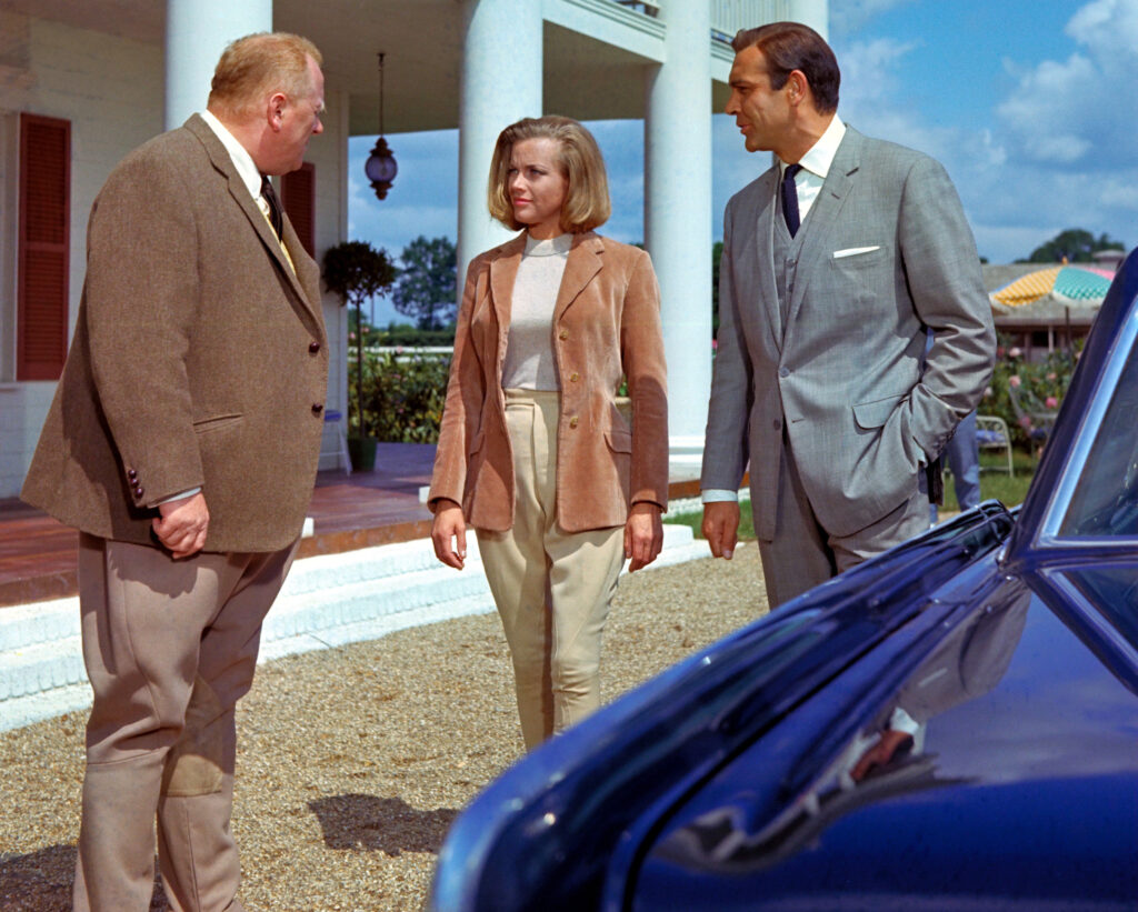 goldfinger-gert-frobe-honor-blackman-sean-connery