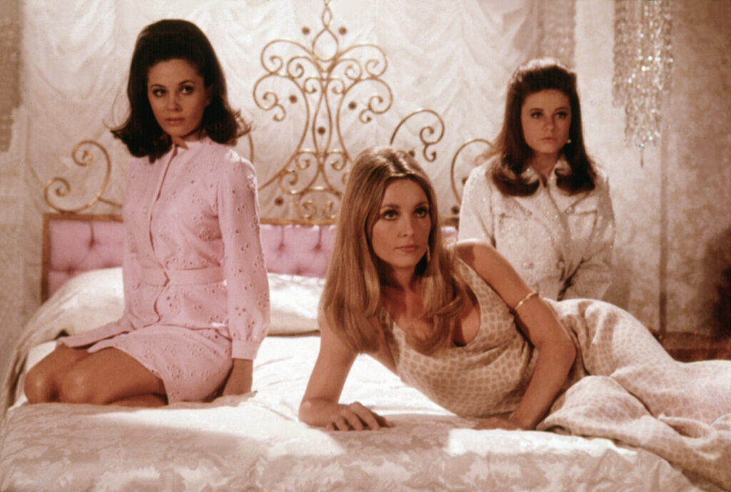 sharon-tate-valley-of-the-dolls