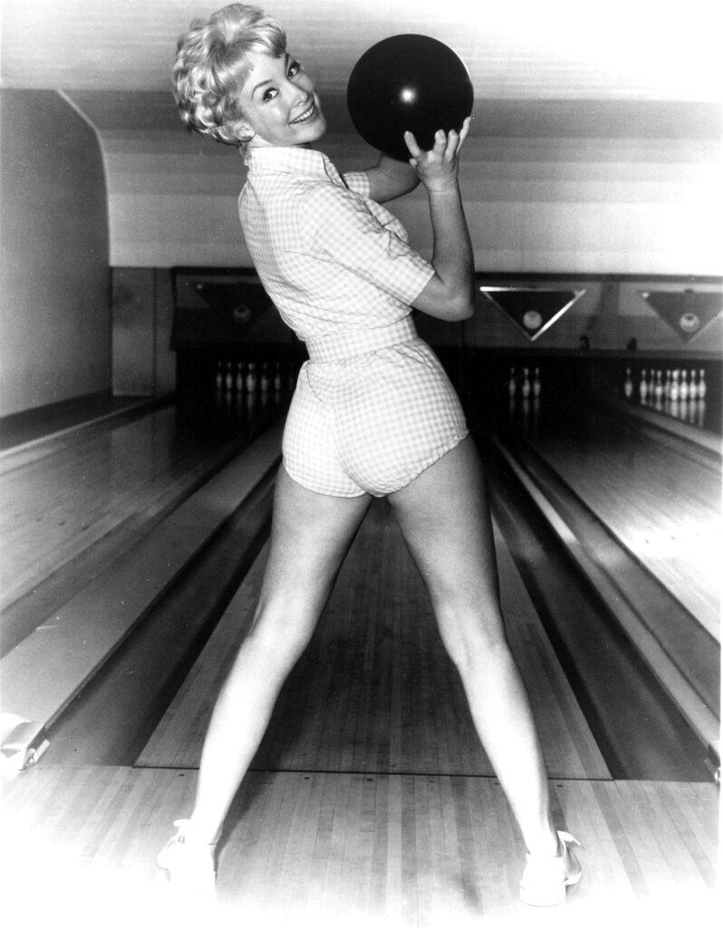 barbara-eden-bowling