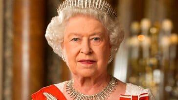 Queen Elizabeth II refuses to step down