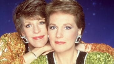 a former first lady caught julie andrews kissing carol burnett