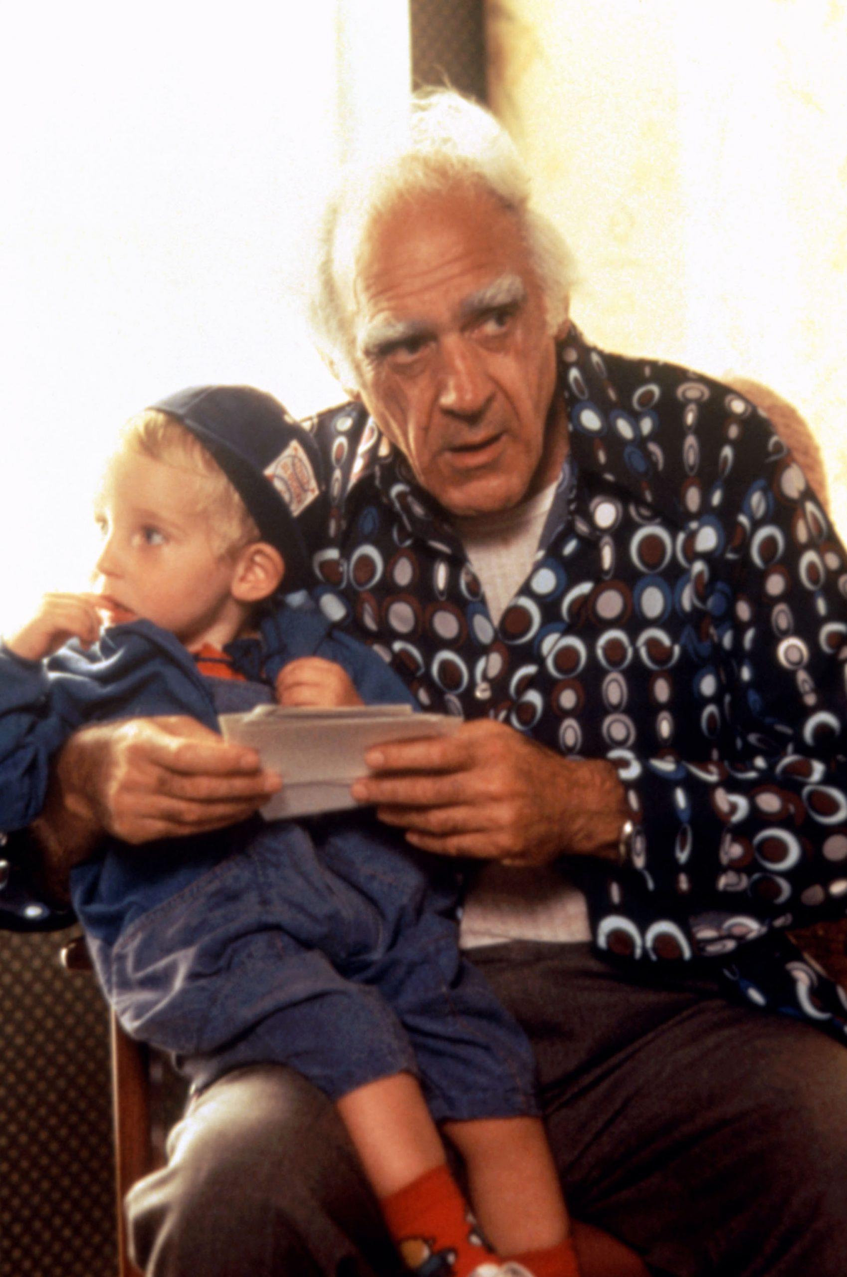 Abe Vigoda in Look Who's Talking (1989)