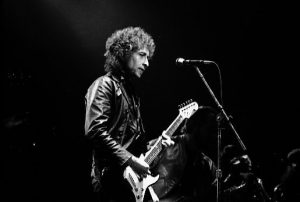 Became of antisemitism in the past and present, Bob Dylan changed his name