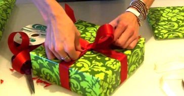 How to wrap a stylish present