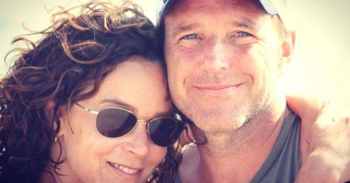 Jennifer Grey splits from Clark Gregg