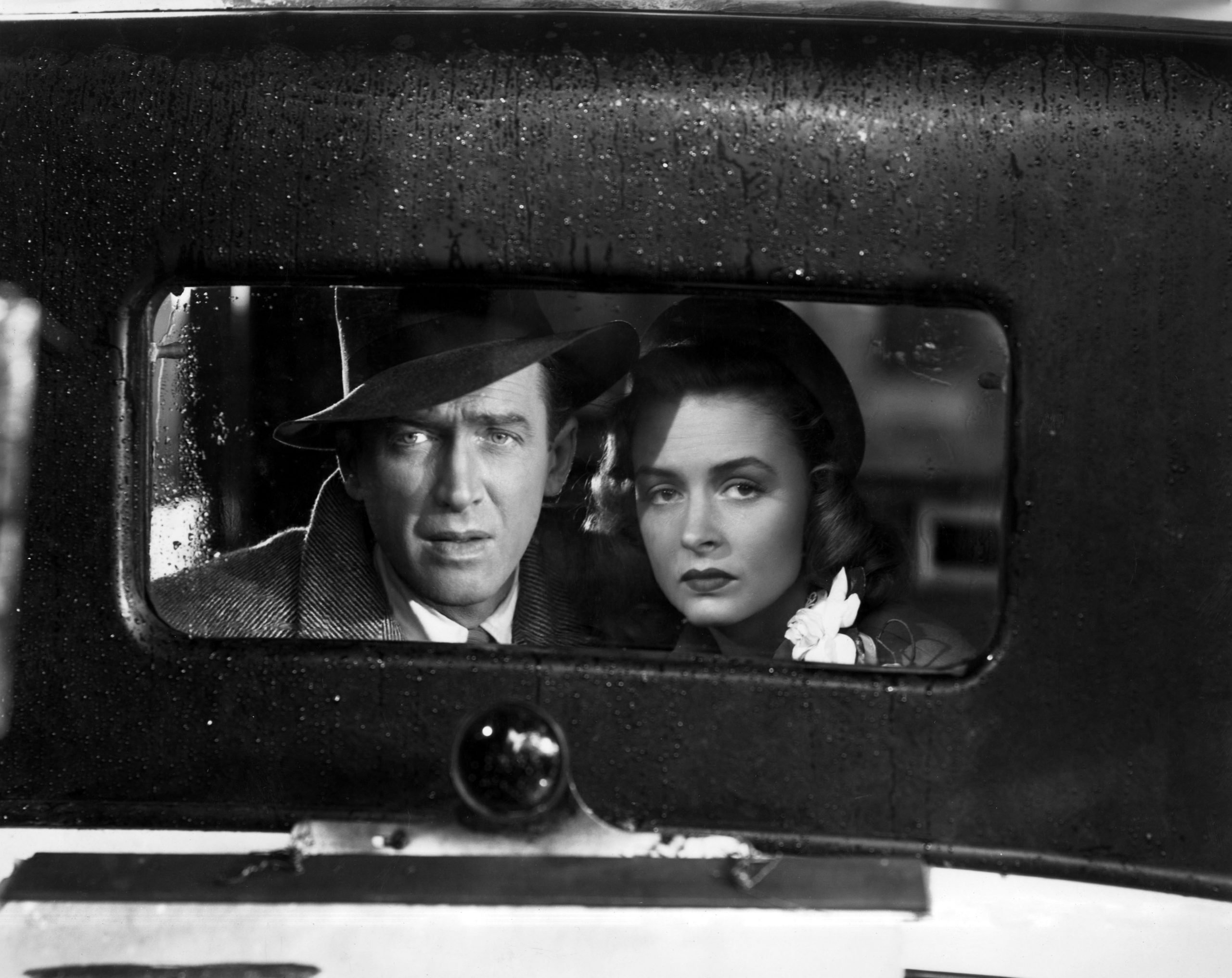james-stewart-donna-reed-in-its-a-wonderful-life