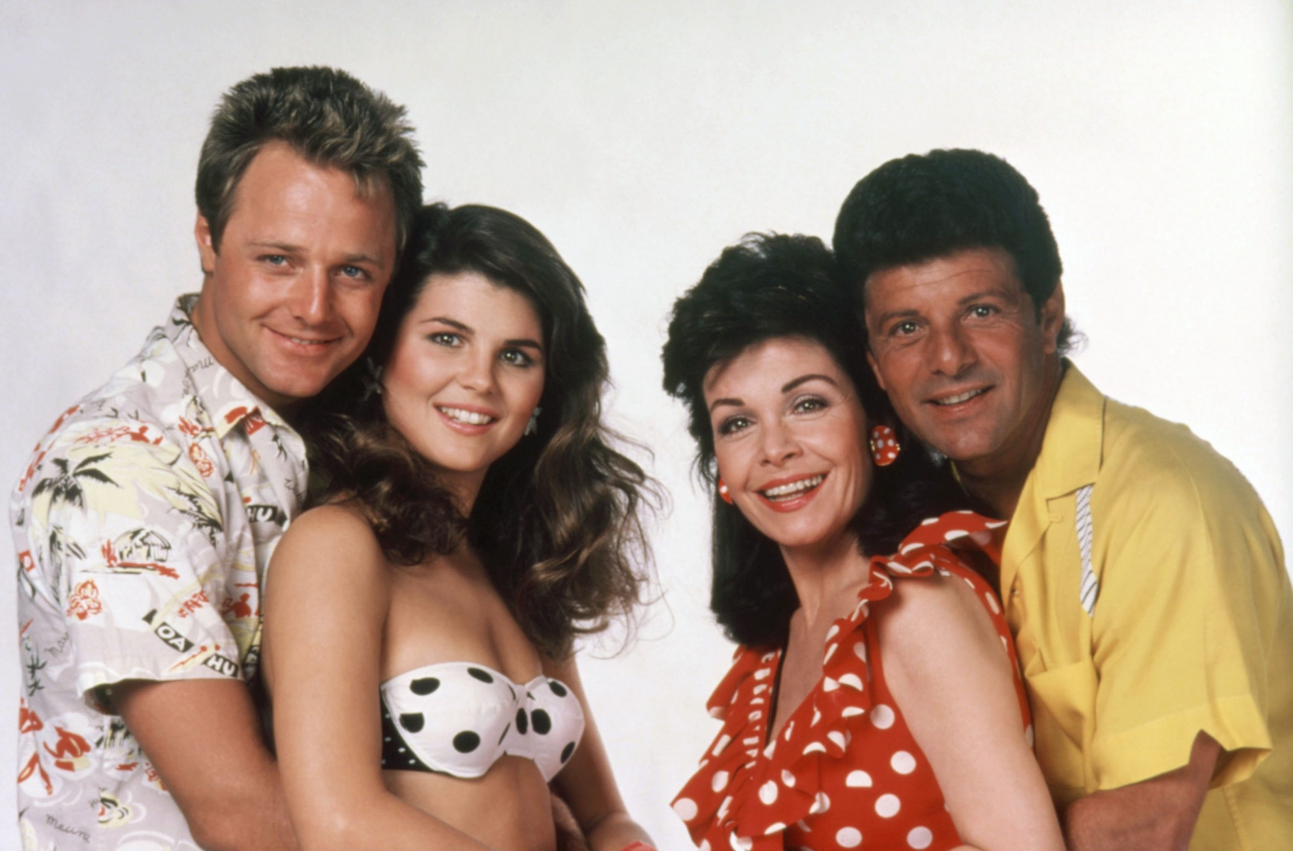 annette-funicello-frankie-avolon-back-to-the-beach