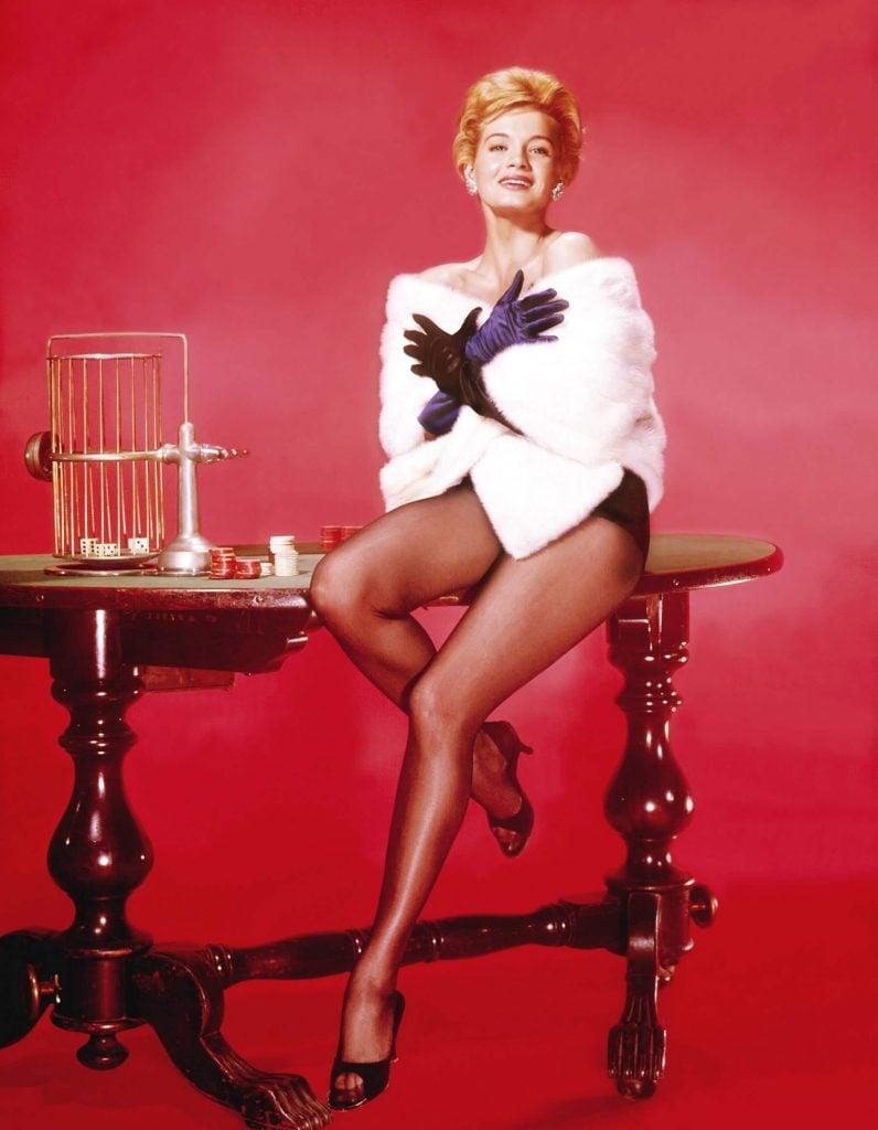 angie-dickinson-1963