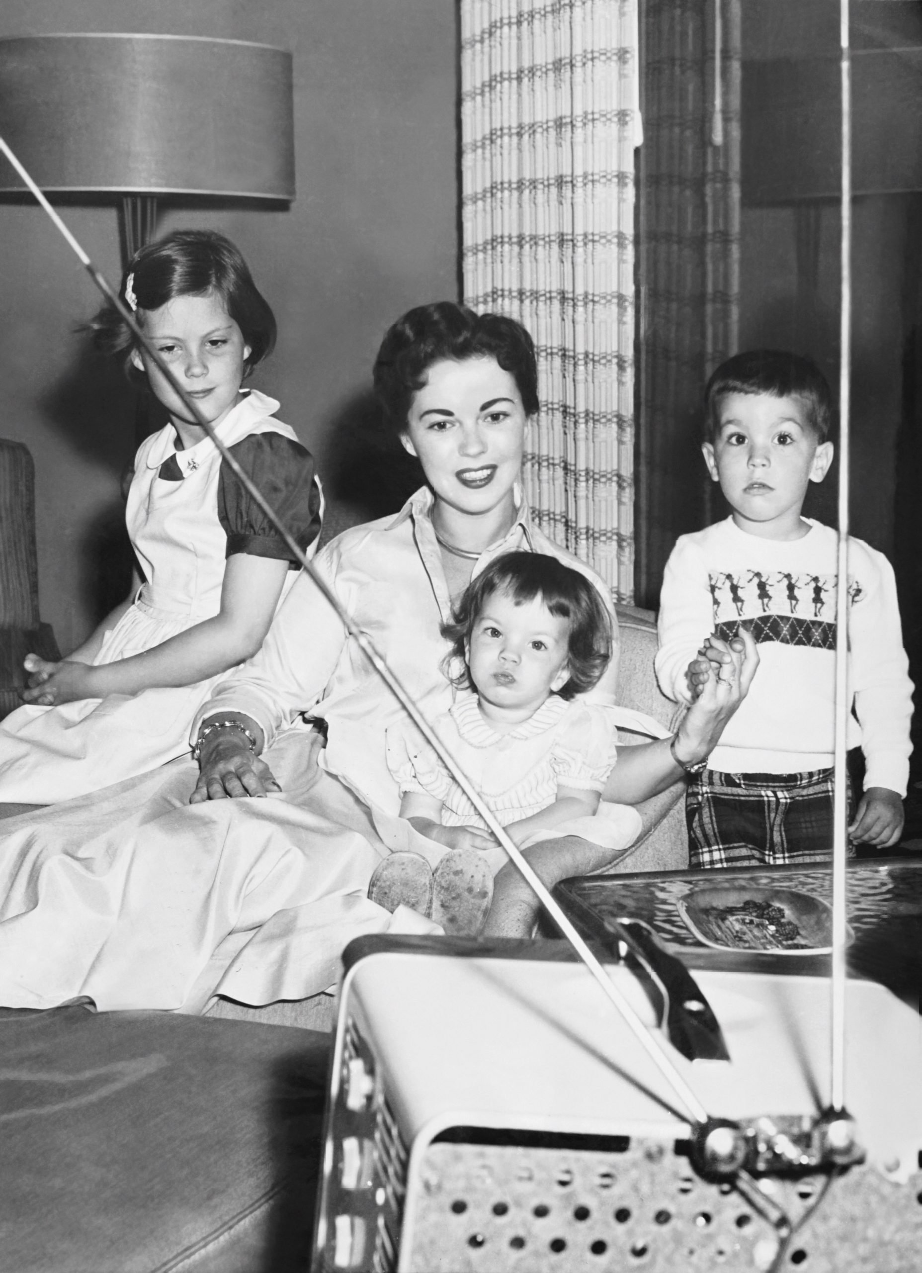 shirley-temple-and-children