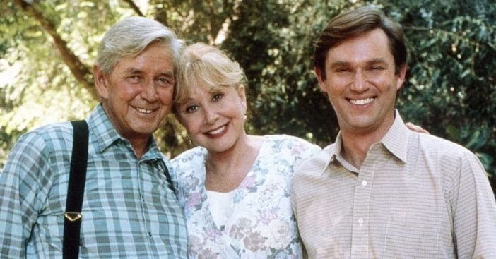 Richard Thomas talks about his television parents Ralph Waite and Michael Learned from The Waltons