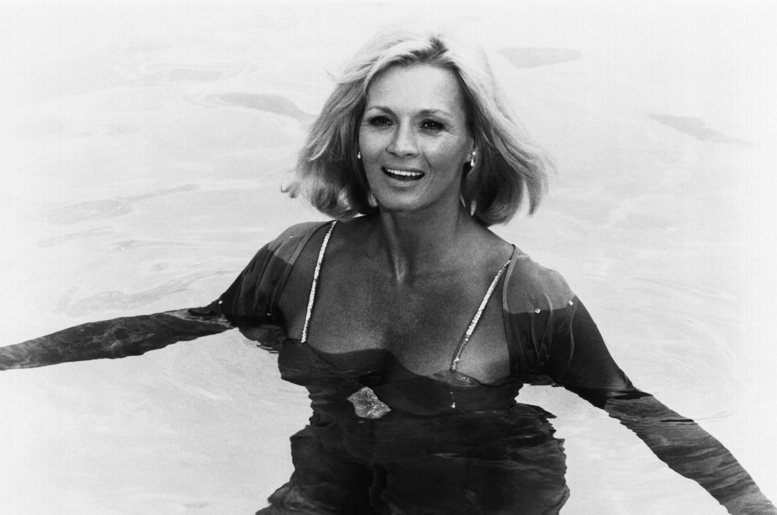 angie-dickinson-1978
