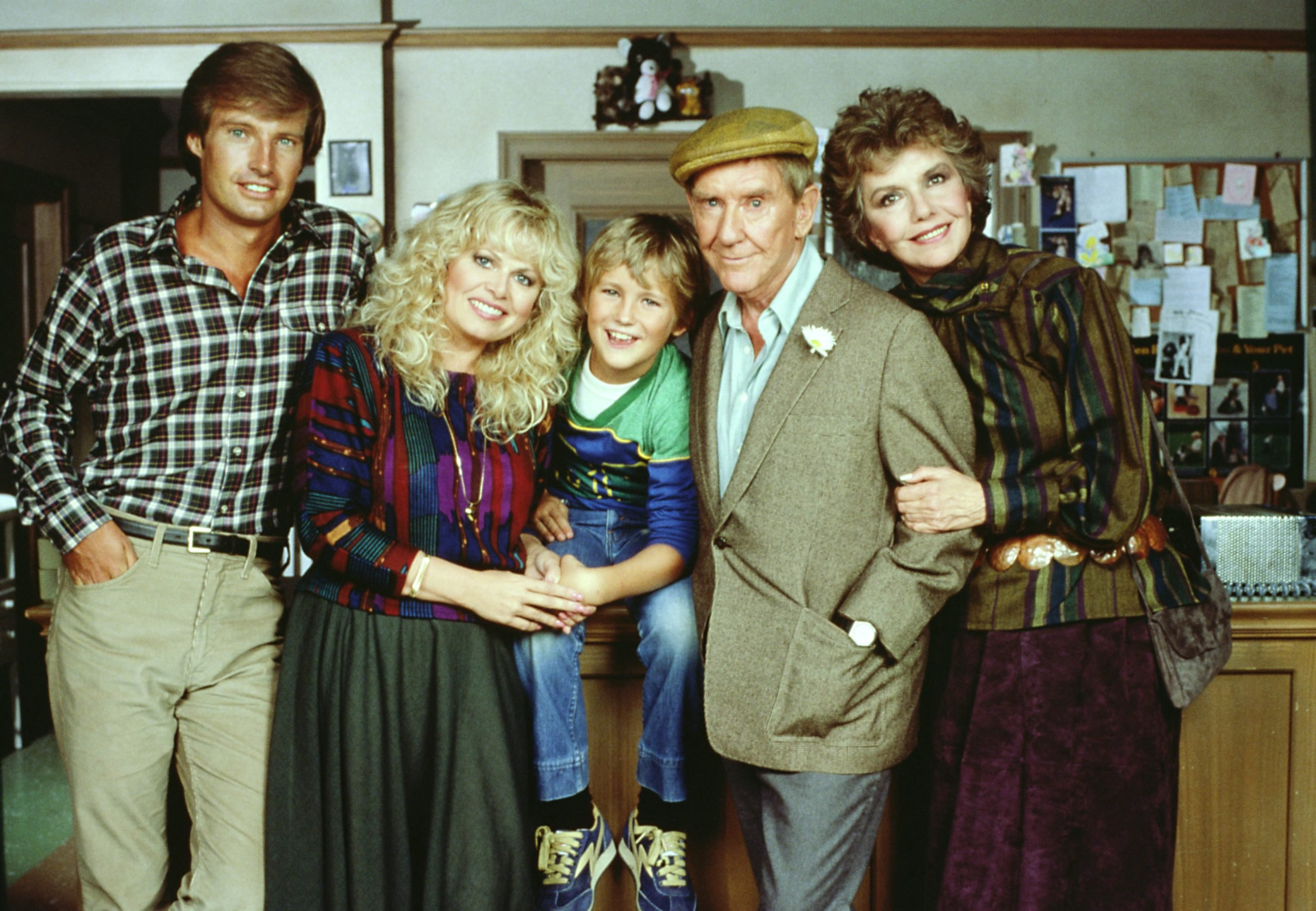 sally-struthers-burgess-meredith-and-the-cast-of-gloria