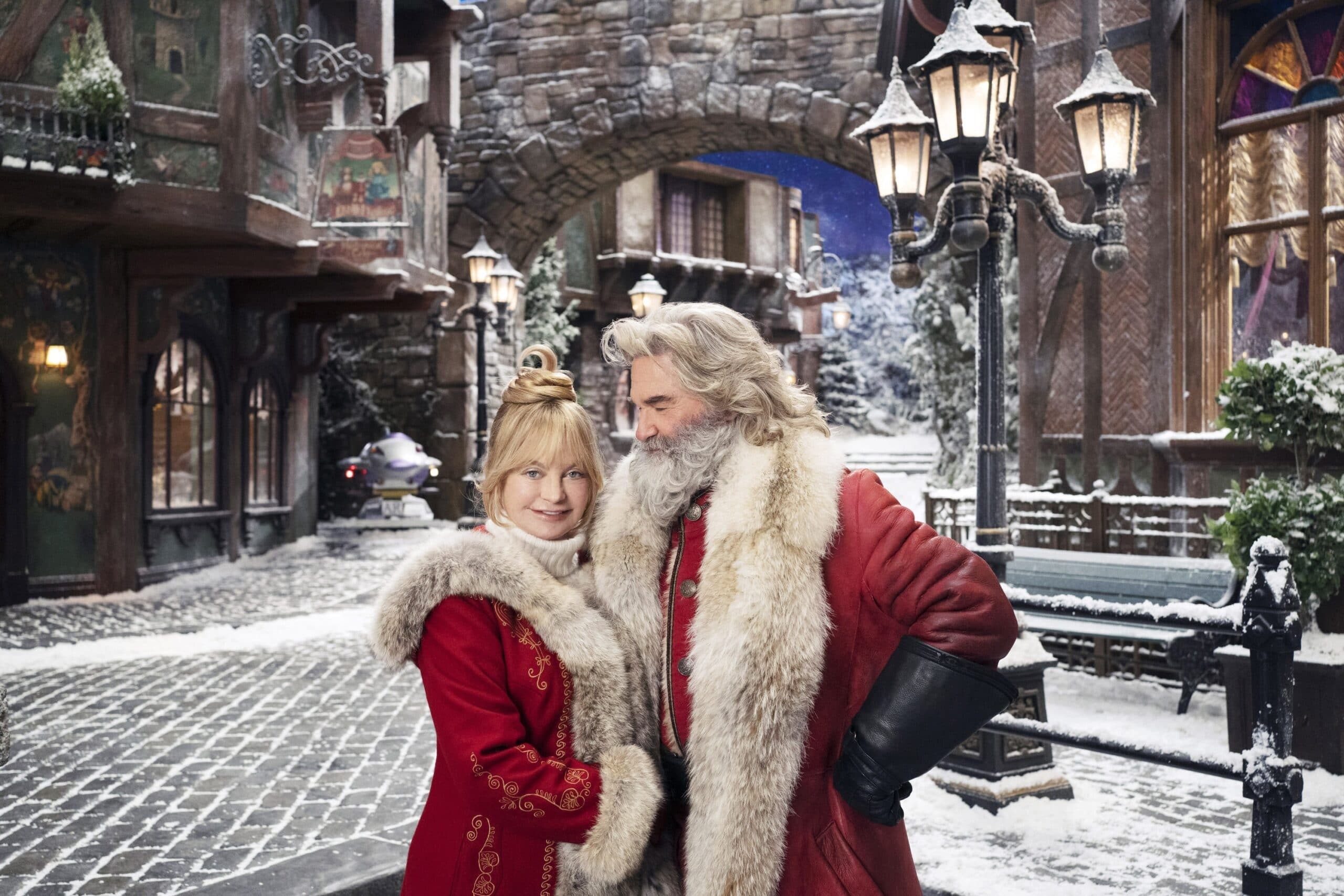 the christmas chronicles two kurt russell goldie hawn
