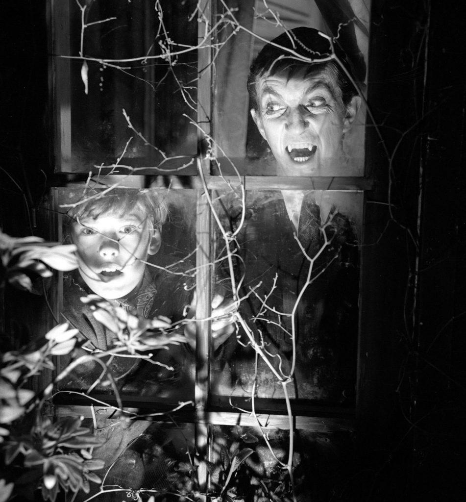 'Dark Shadows' stars Jonathan Frid and David Henesy
