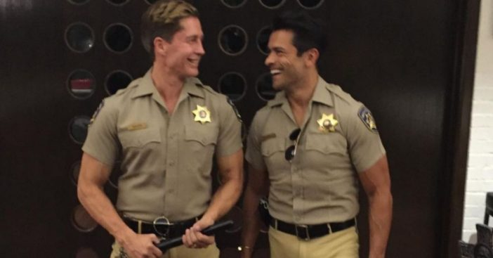 did mark consuelos stuff his pants for a halloween costume_