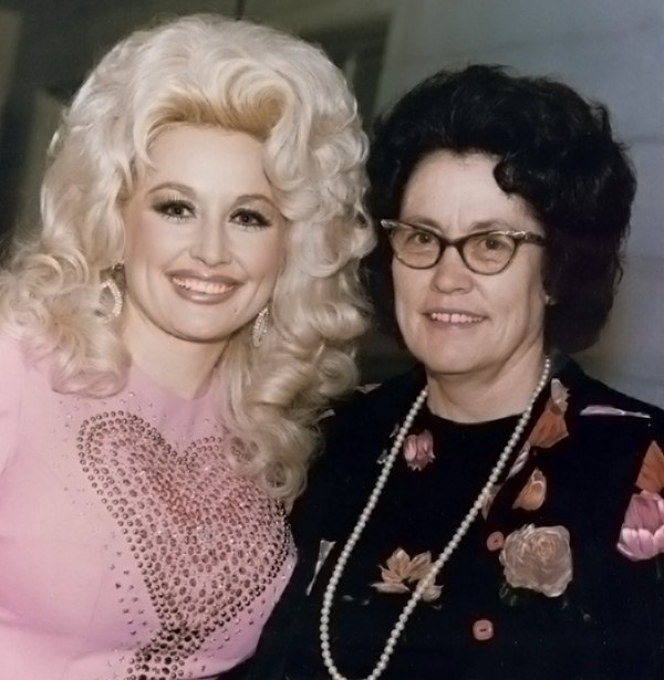 Dolly Parton Says Her Mother Sewed Her Toes Back On After An Accident