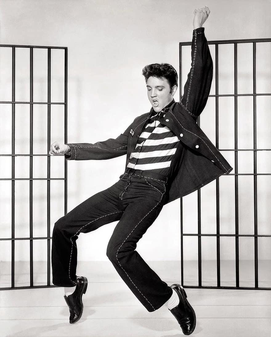 elvis presley hip thrust dance move