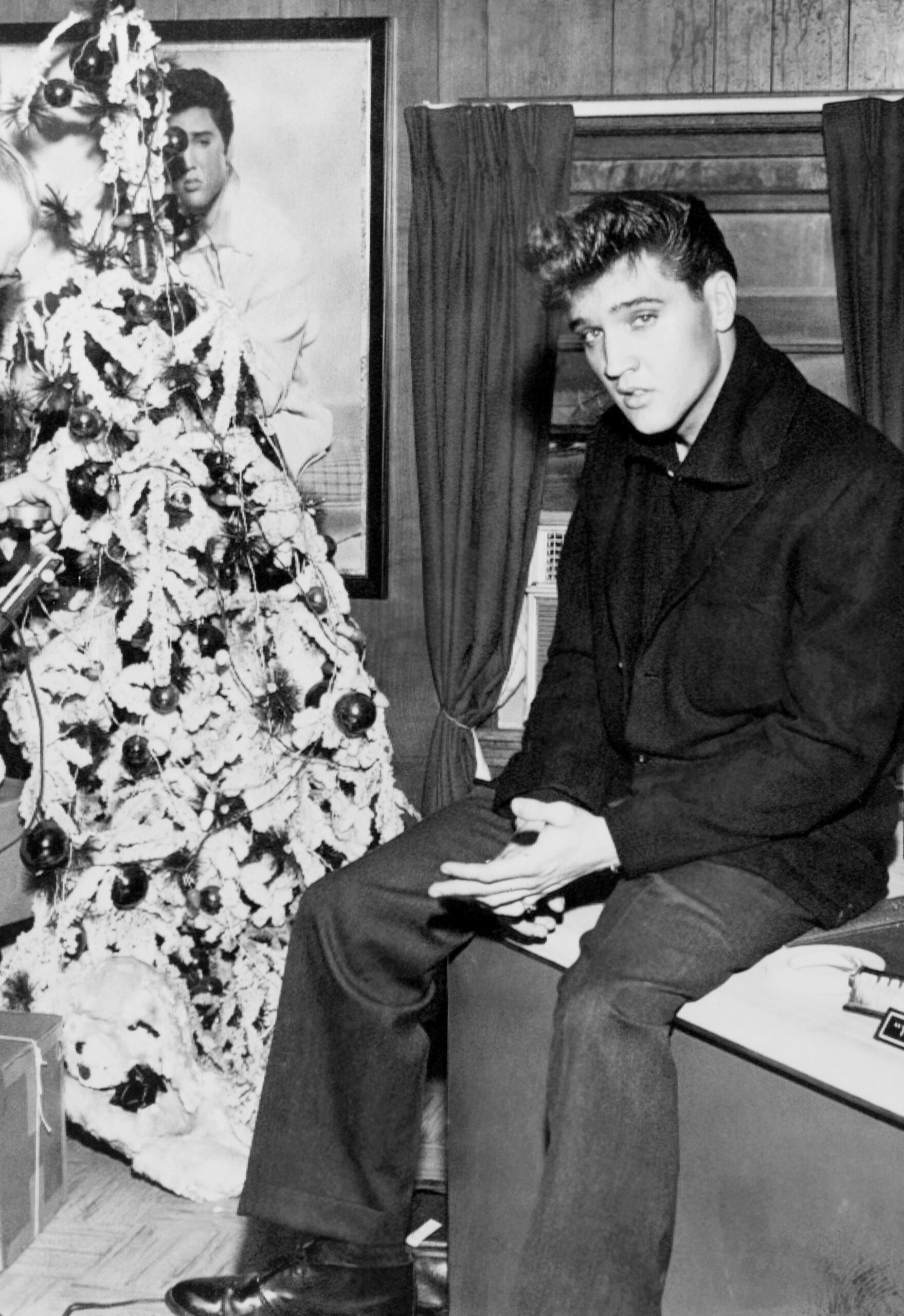 elvis presley christmas tree