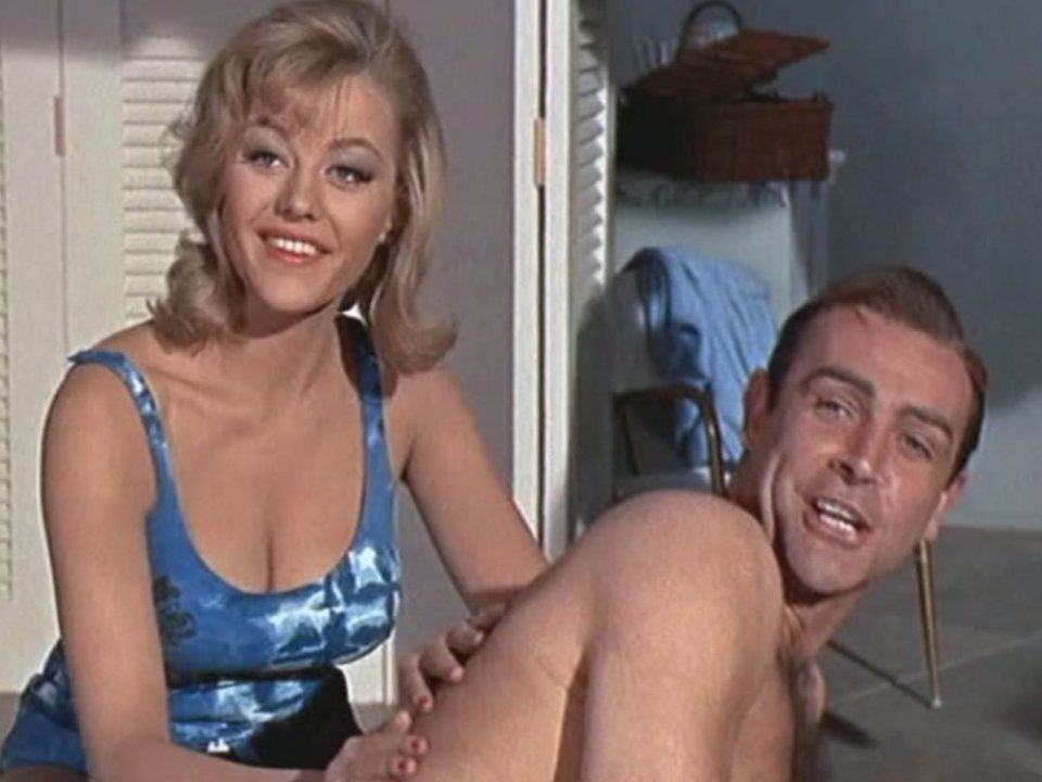 sean-connery-and-margaret-nolan-in-goldfinger