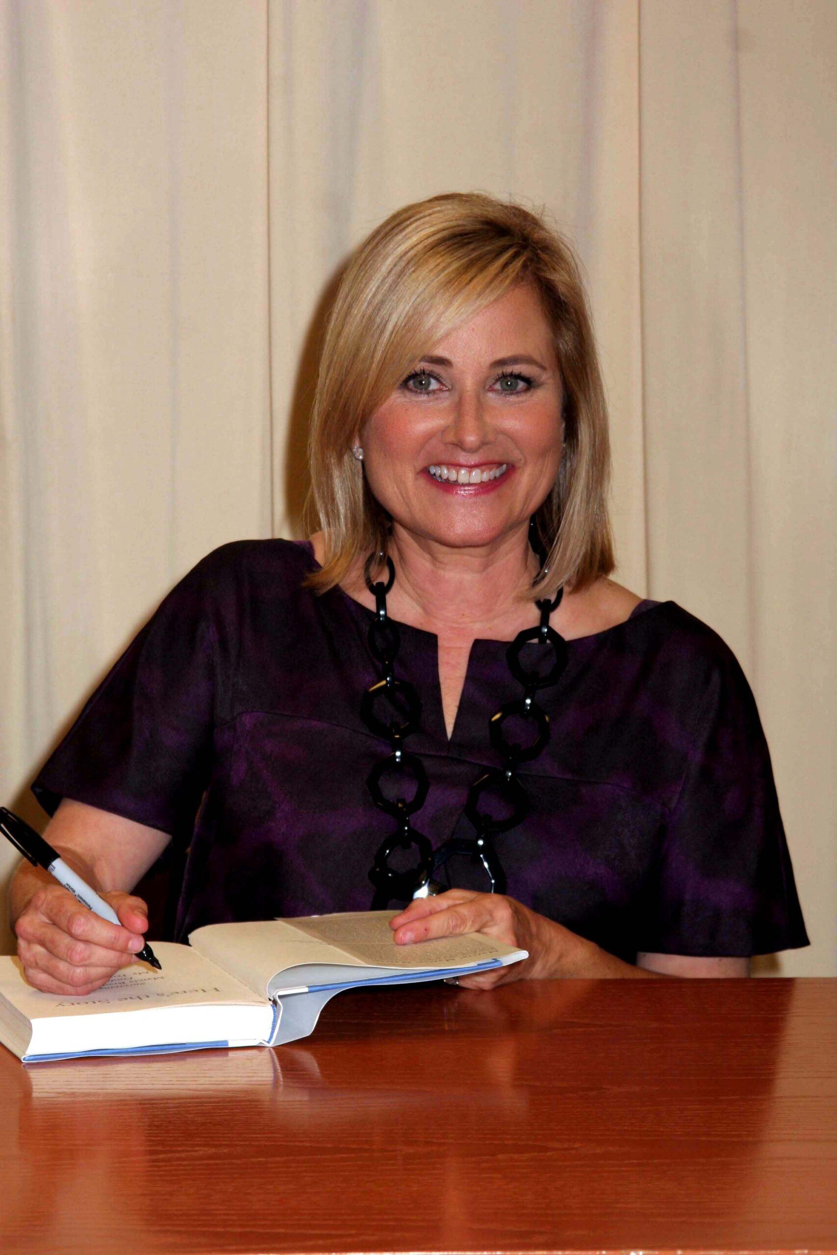 maureen mccormick signing books