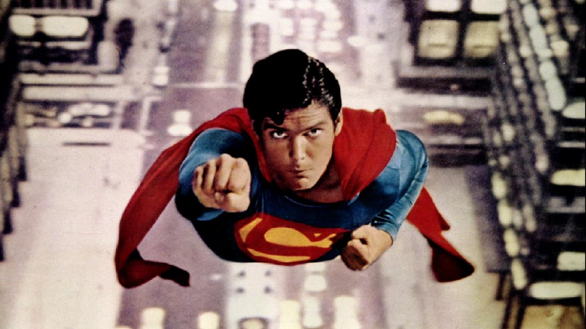 superman flying christopher reeve