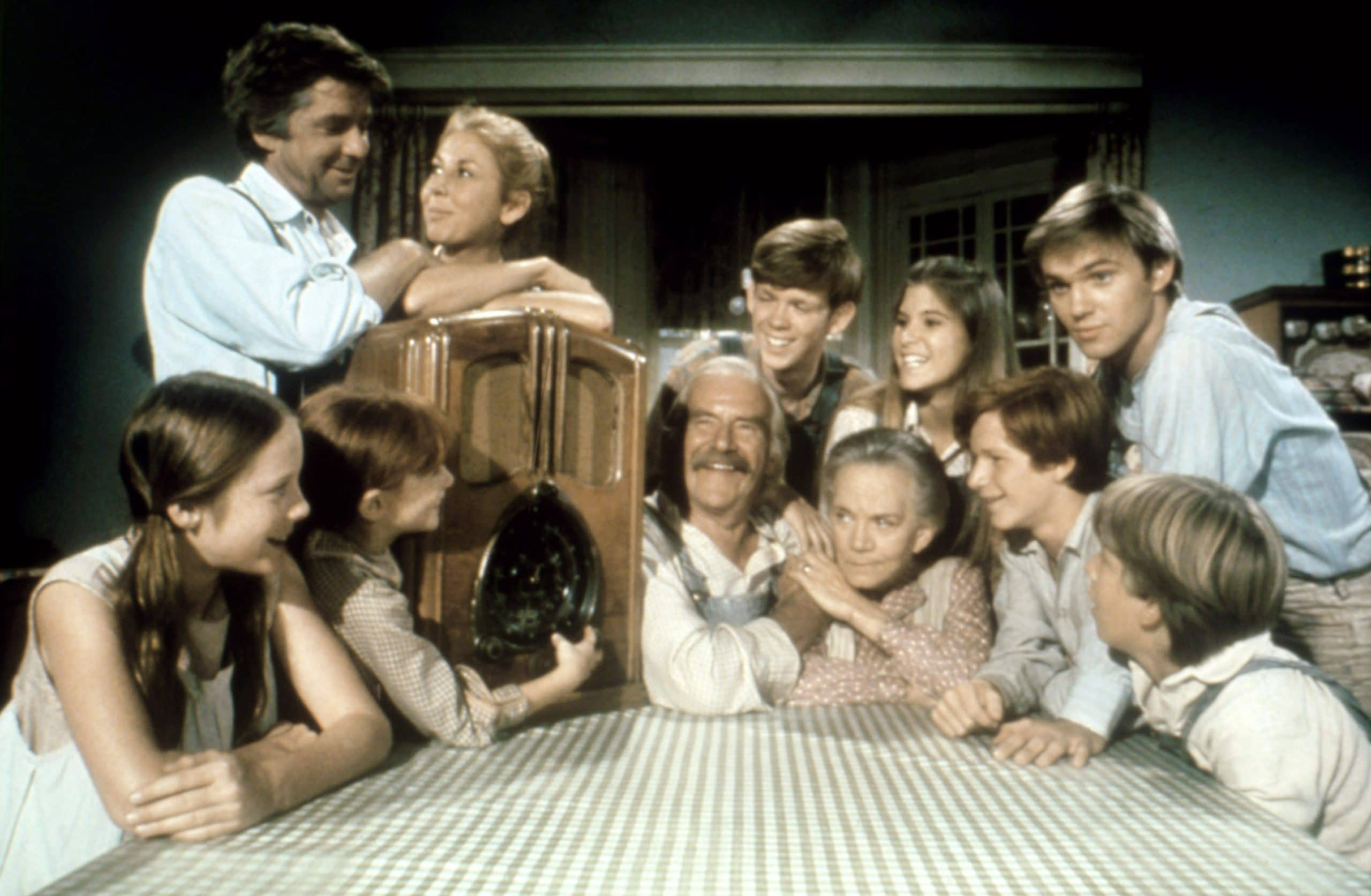 'The Waltons' Michael Learned, Richard Thomas, And More To Reunite On 'Stars In The House'