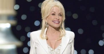 how dolly parton deals with people's opinions of her