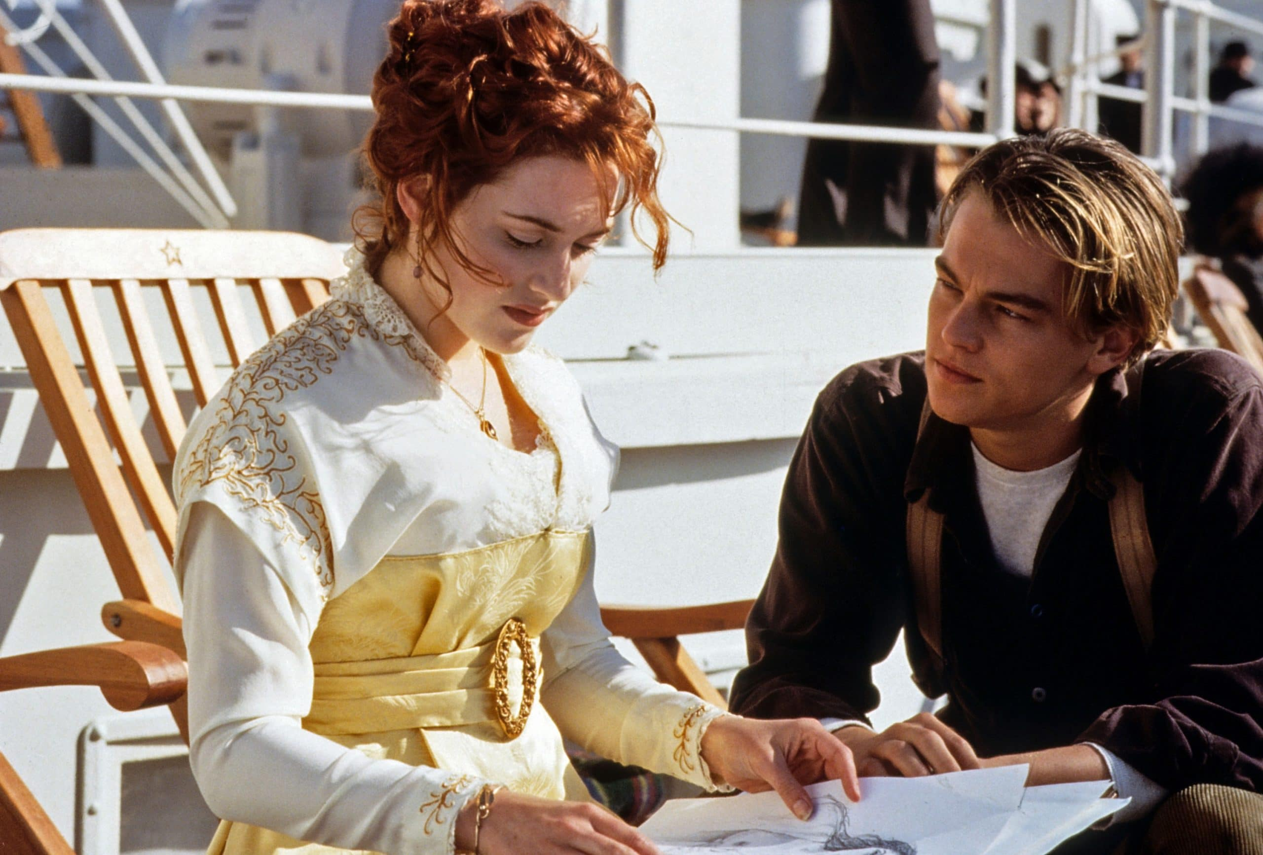 TITANIC, from left: Kate Winslet, Leonardo DiCaprio