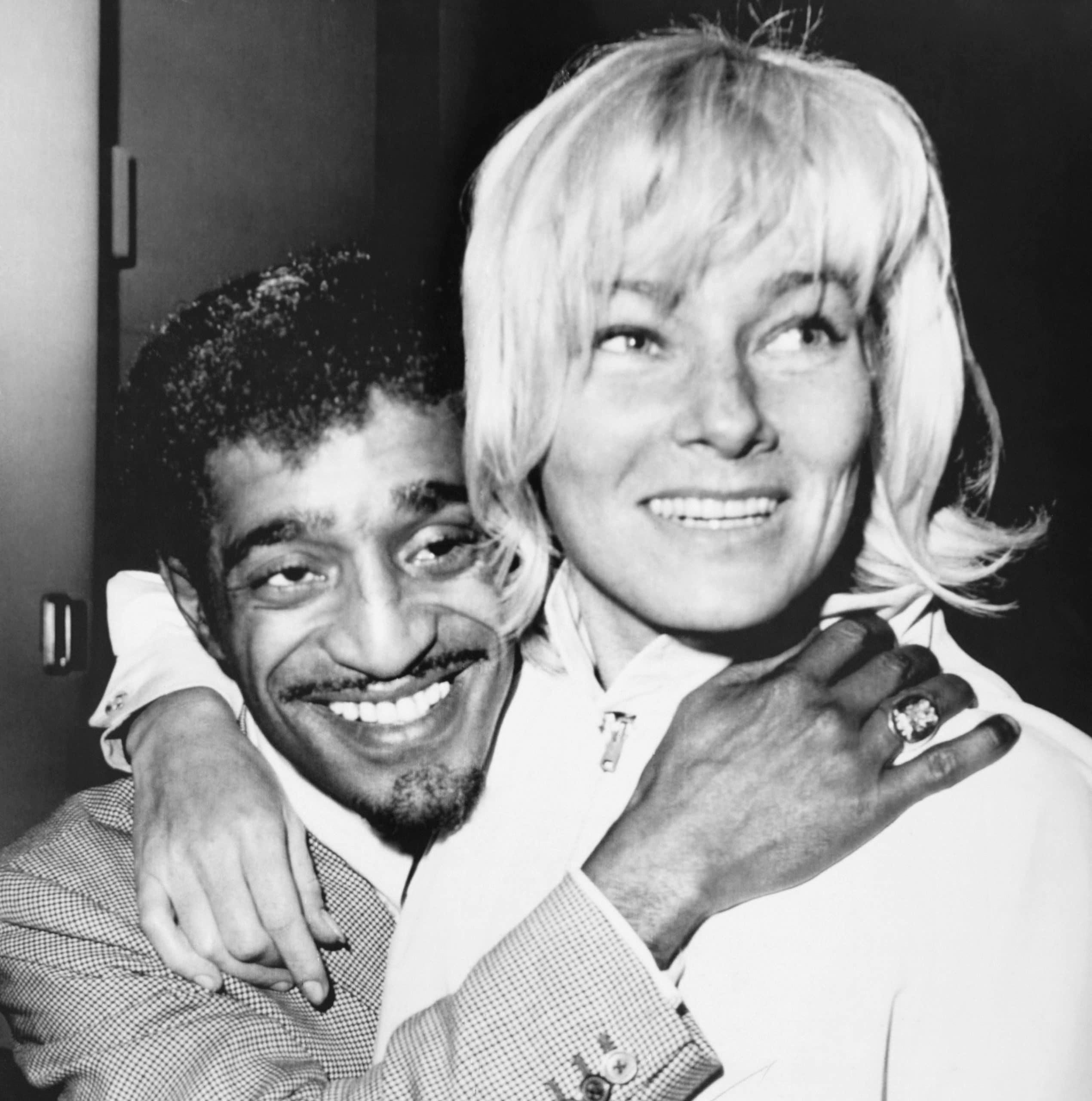 Sammy Davis Jr, May Britt,