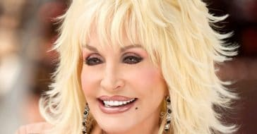 Dolly Parton asks legislators to remove Bill about a statue of her