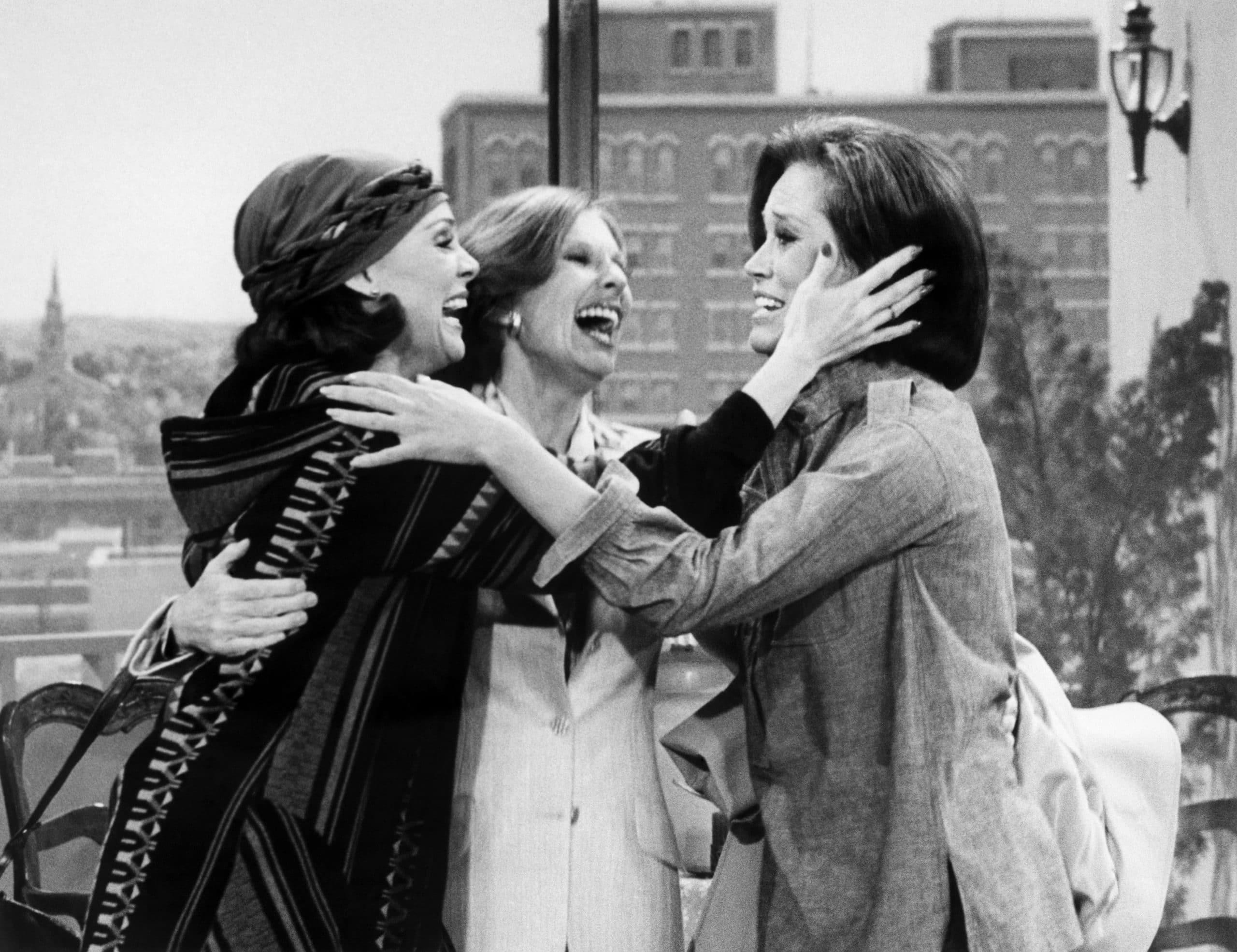 Looking Back On Emotional Reunion Between Cloris Leachman & 'Mary Tyler Moore' Co-Stars