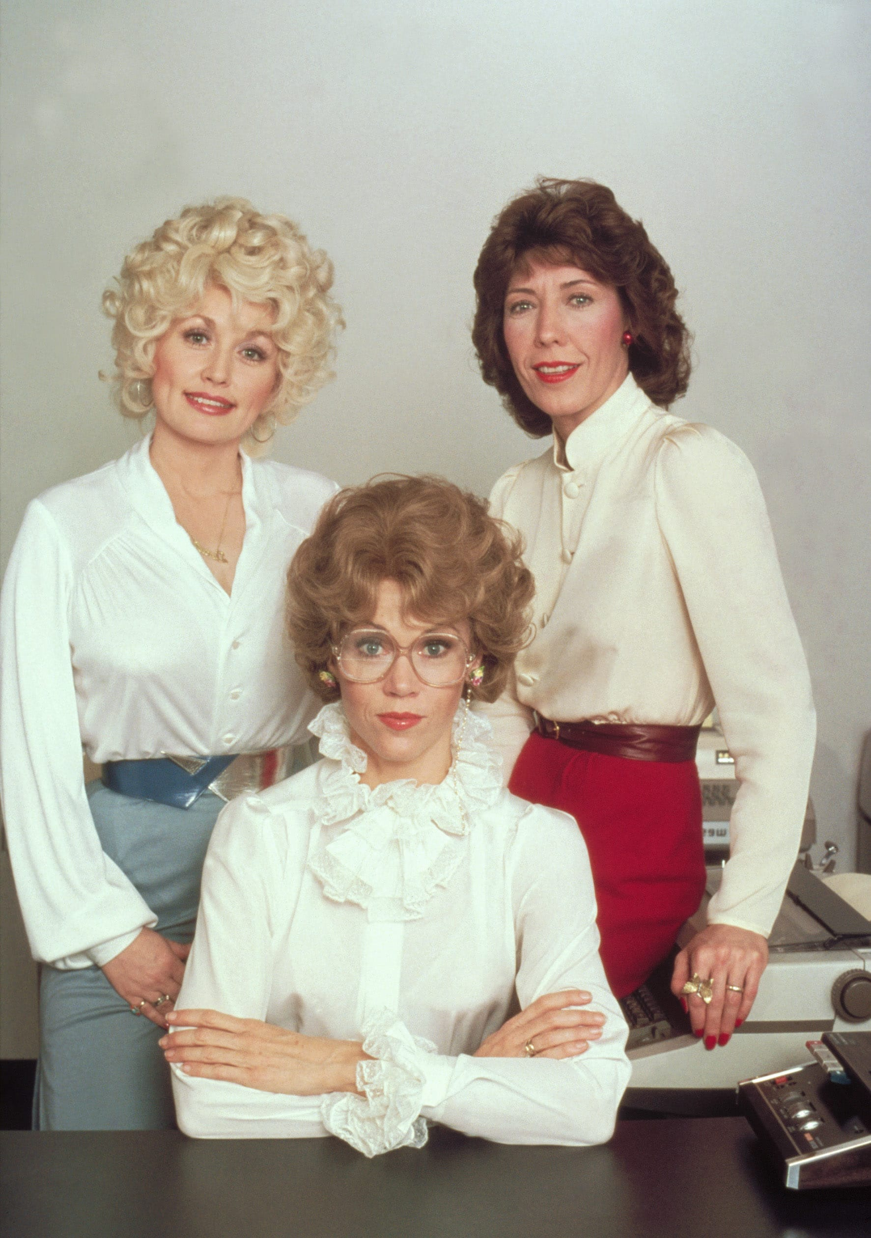 NINE TO FIVE, (aka 9 TO 5), from left: Dolly Parton, Jane Fonda, Lily Tomlin, 1980