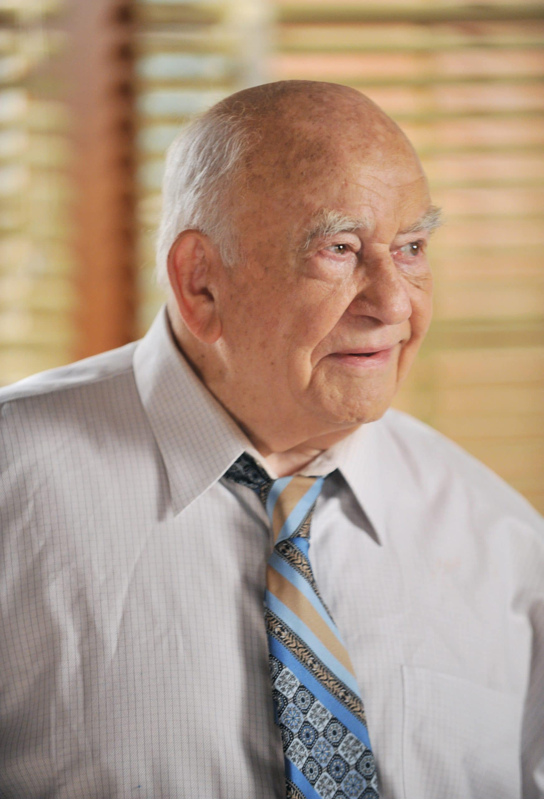 ed asner guest star on the middle