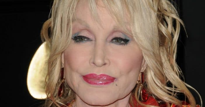 why did dolly parton turn down the presidential medal of freedom twice