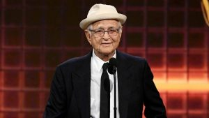 During a virtual ceremony, Norman Lear received the Carol Burnett Award. He's the third person to do so