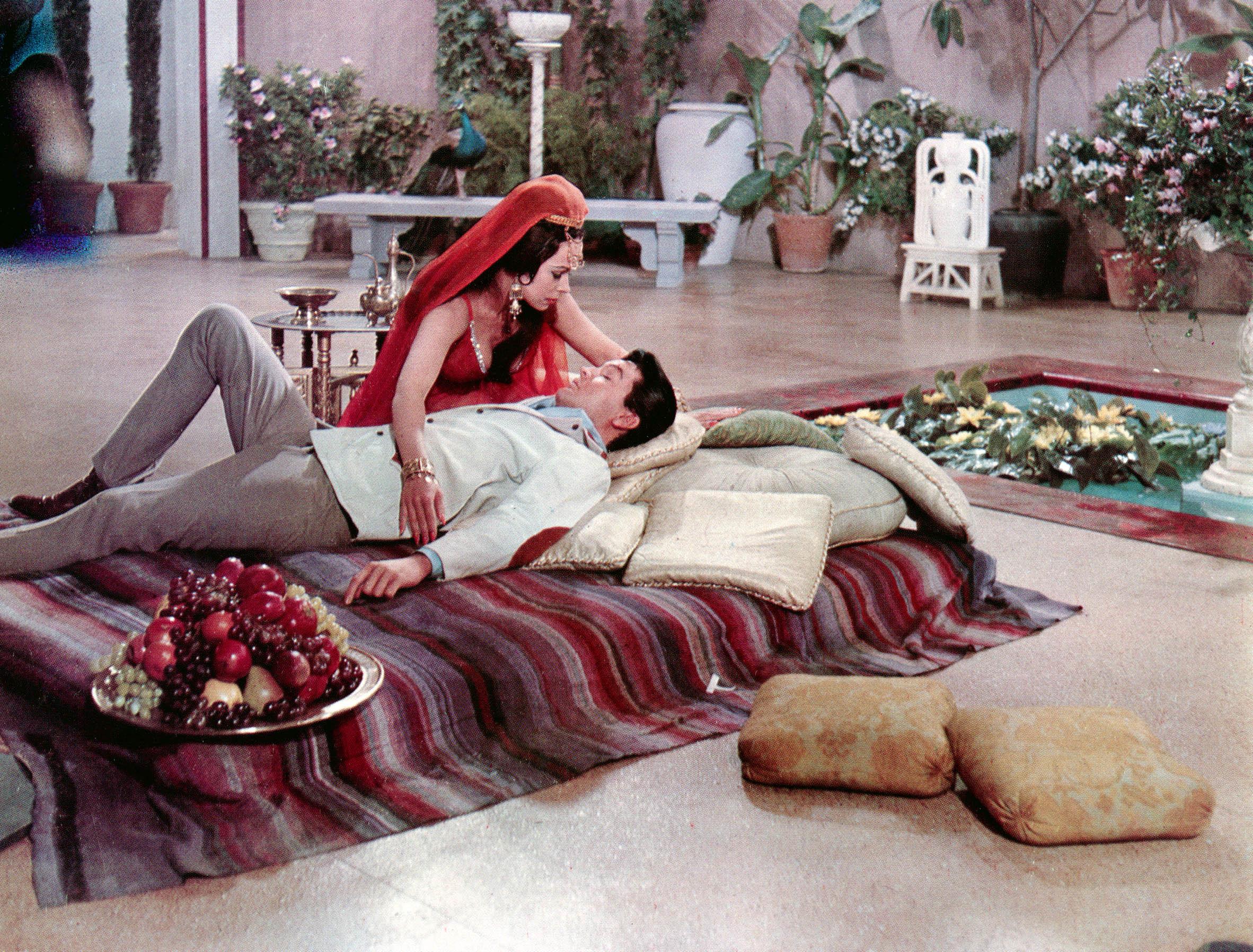 HARUM SCARUM, Mary Ann Mobley, Elvis Presley