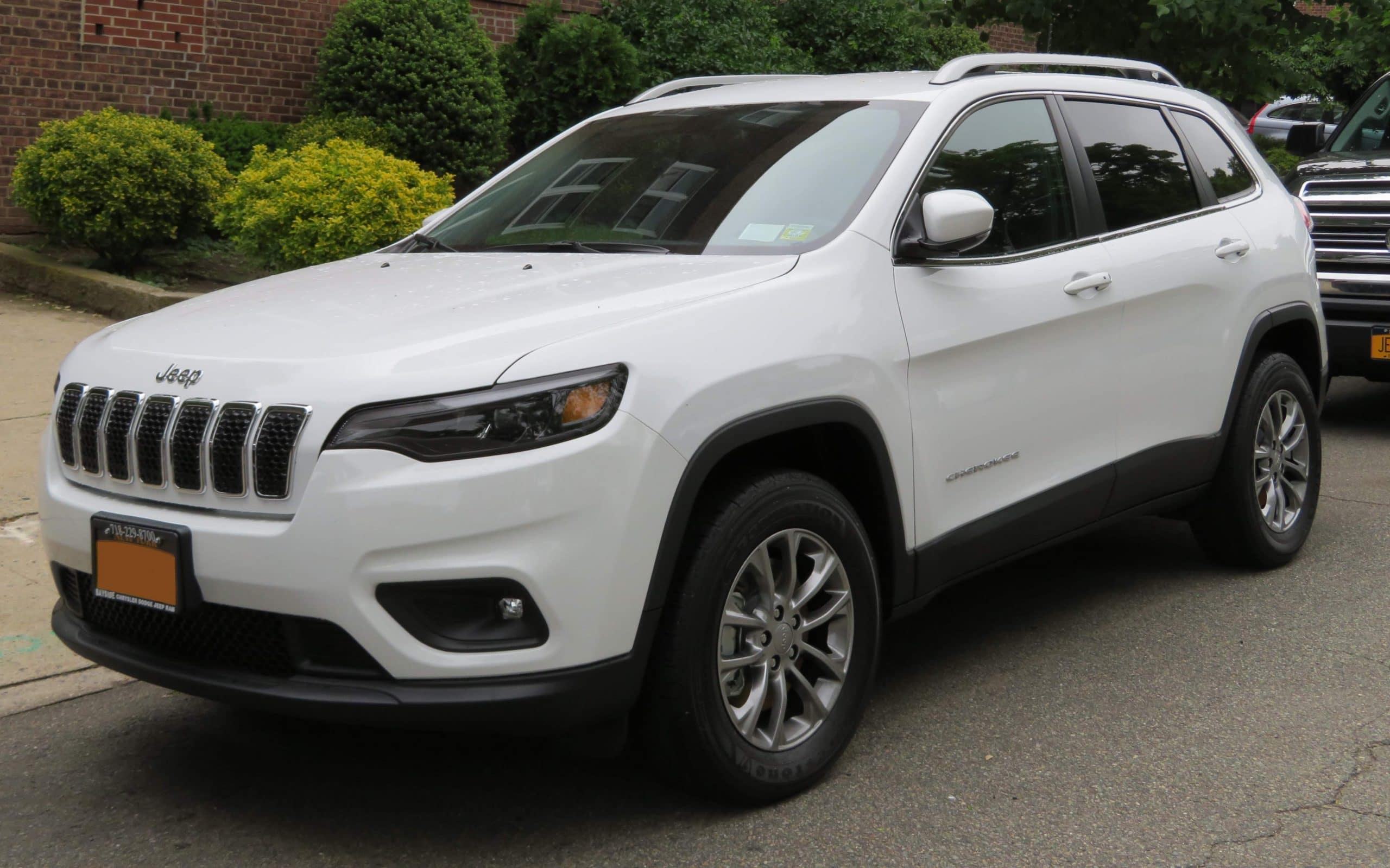 Jeep SUVs May Be Dropping Cherokee Name Due To Tribal Insensitivity
