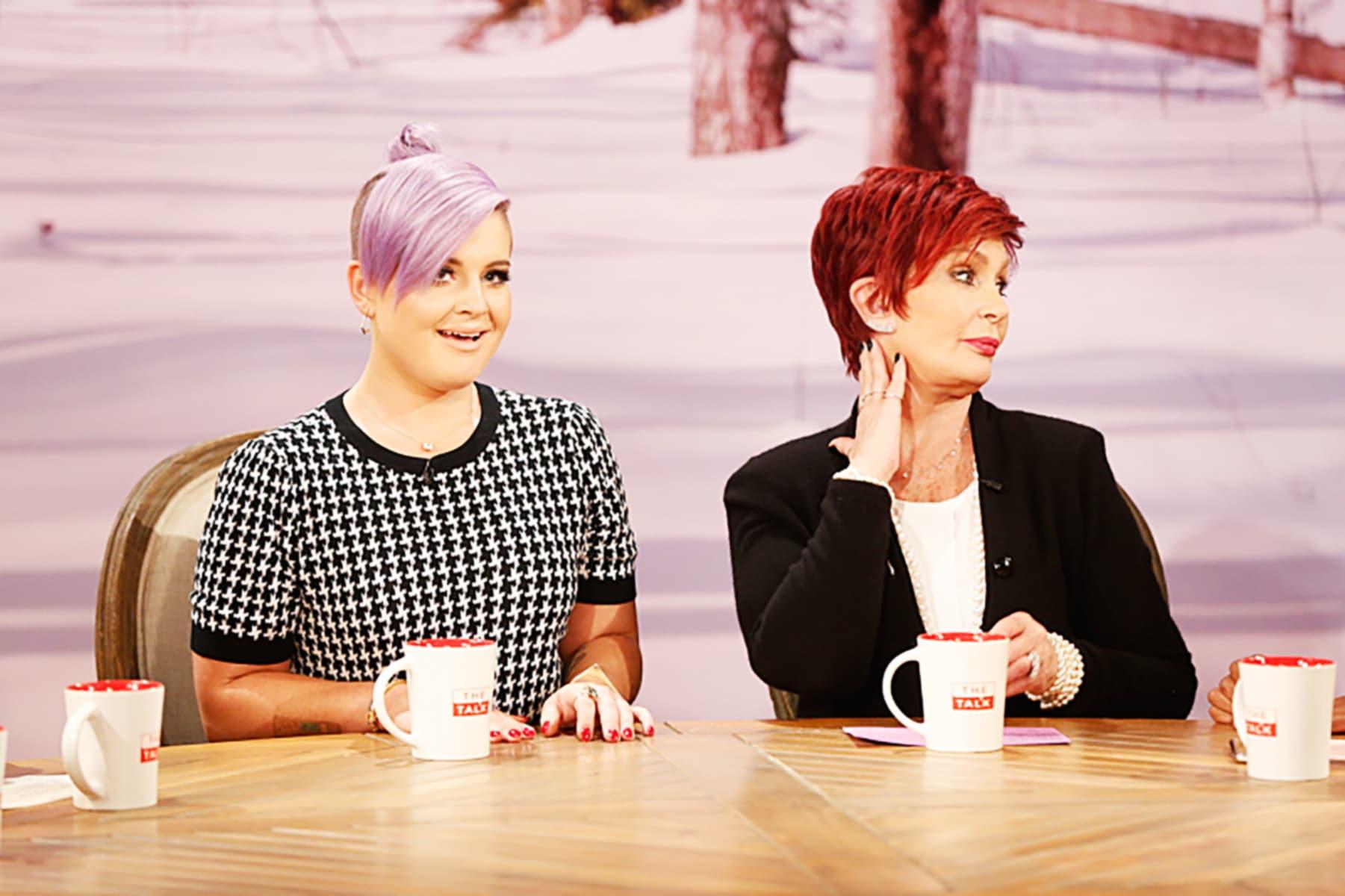 THE TALK, l-r: Kelly Osbourne, Sharon Osbourne