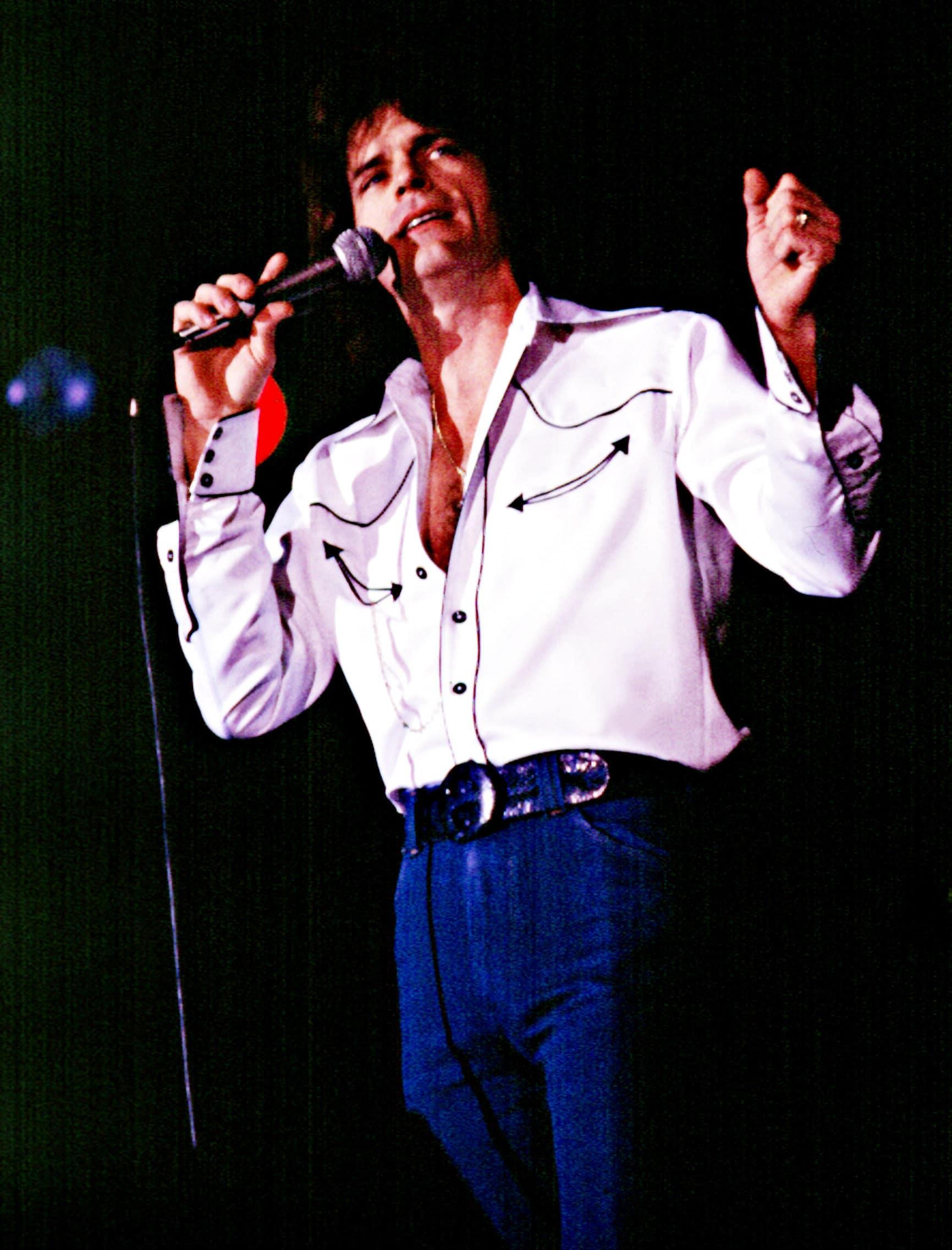 b.j. thomas performing